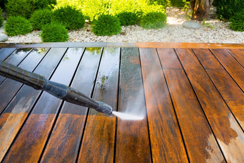 Tipps zur Säuberung Ihrer Holzterrasse