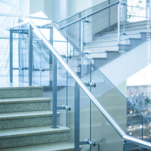 Glasreinigung Treppenhaus Glastrennwand Glasgeländer